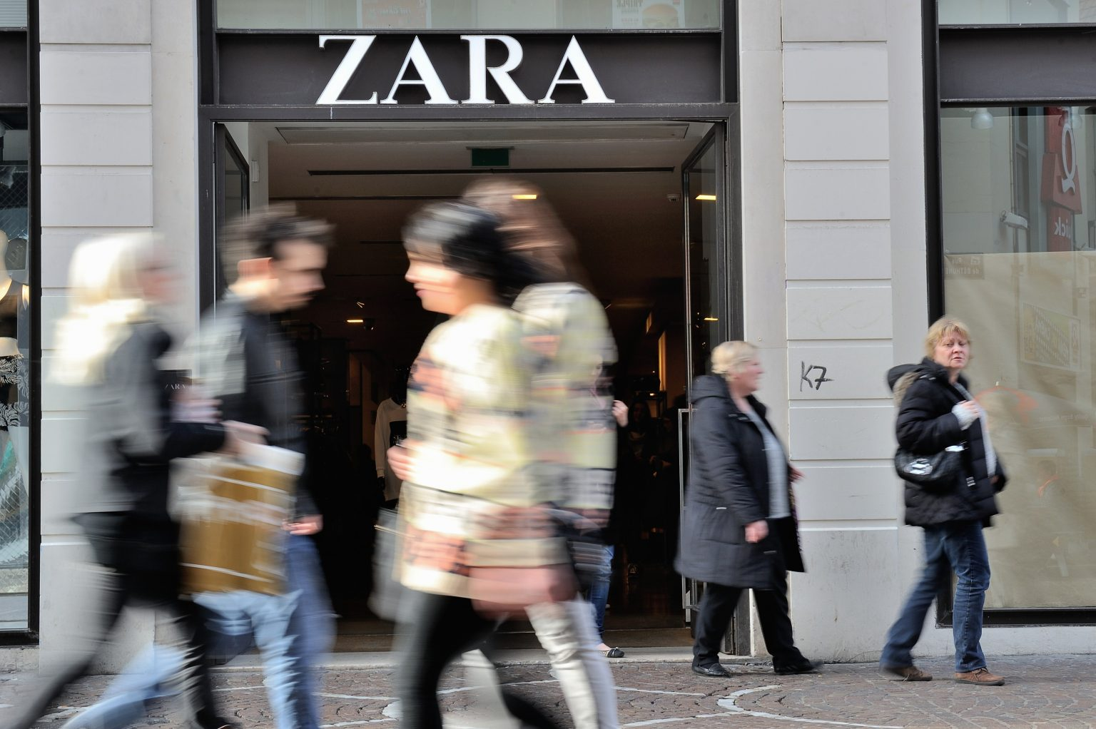Despite all that, Inditex, the parent company of Zara, decided to close the shop and not reducing salaries or losing jobs
